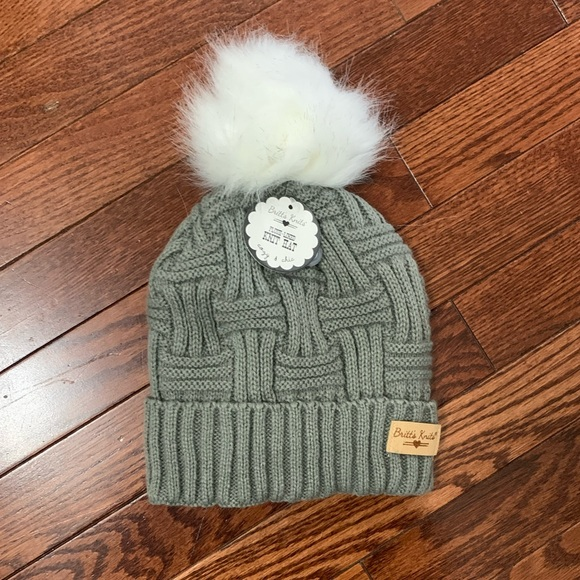 Ladies grey Britts Knitts Hat NWT